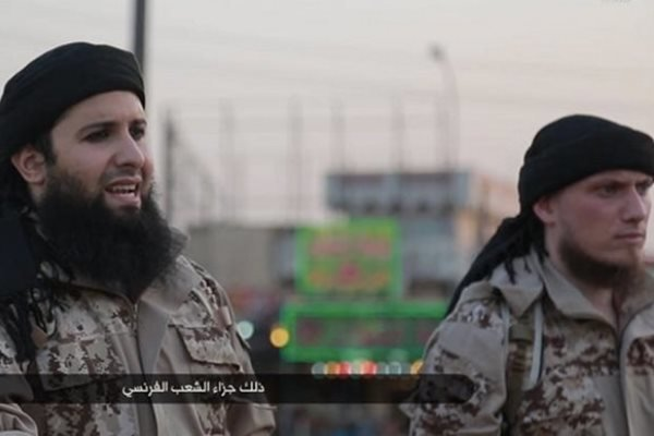 """داعش """"گورگه تهنیاکان"""" دهنێرێت بۆ شهڕی فهڕەنسا"""