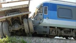 مقتل 5 أشخاص واصابة أكثر من 50 آخرين جراء انحراف قطار عن سكته في لندن
