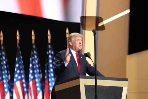 ترامب يحذر من تزوير نتيجة الانتخابات الأمريكية