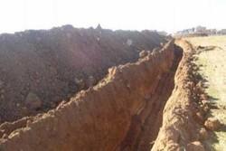 حفر خندق؛تاکتیک نیروهای عراقی در فلوجه برای ممانعت از بازگشت داعش