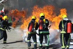 ۳۰ شهروندکرجی گرفتار در آتش سوزی نجات یافتند/ بستری شدن ۲امدادگر
