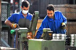 معیشت ۹.۷ میلیون کارگر زیر خط فقر/ افت شدید رضایت کارگران از مزد