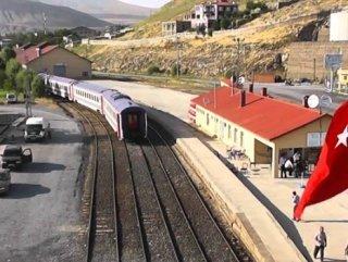 PKK, Van-Tahran seferini yapan yük trenine saldırdı
