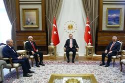 Erdoğan, Kılıçdaroğlu ve Bahçeli ile bir araya geldi