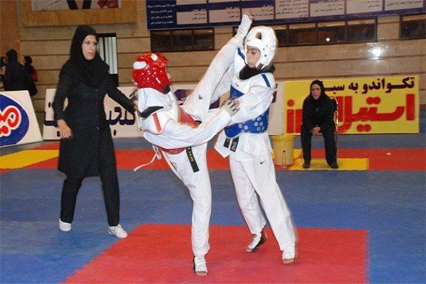 رقابت 105 دختر تکواندوکار خراسان شمالی به مناسبت هفته تربیت بدنی