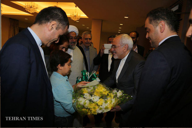 Zarif arrives in Ghana on his West Africa tour