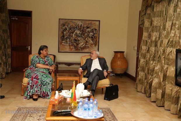 Zarif arrives in Ghana on his West Africa tour