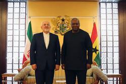 Zarif meets with president of Ghana
