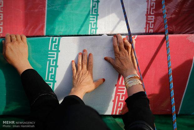 بازگشت پیکر شهید پس از ۳۰ سال/چشم انتظاری مادر پایان یافت