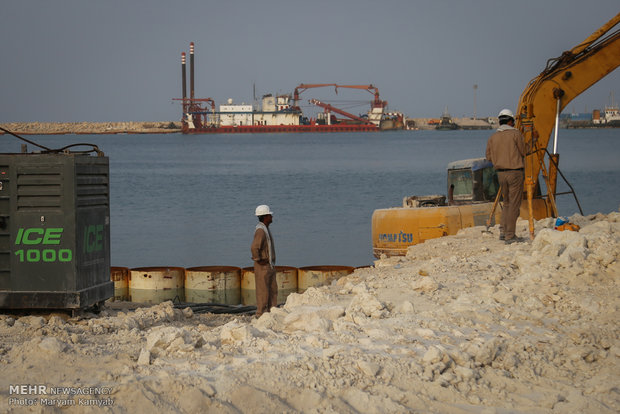 Journalists visit projects in Kish Island