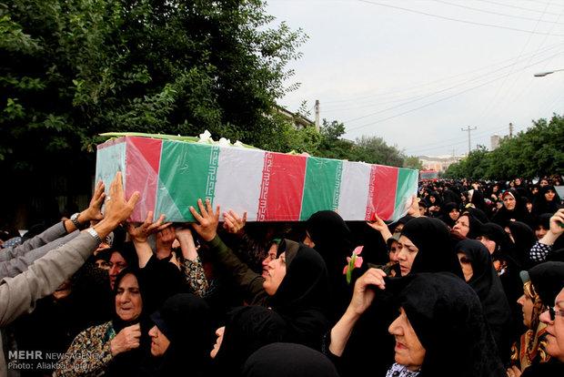 پیکر یک شهید گمنام در دانشگاه میبد به خاک سپرده میشود