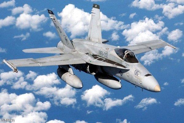 سقوط جنگنده اف ۱۸ آمریکا در کالیفرنیا/ خلبان کشته شد