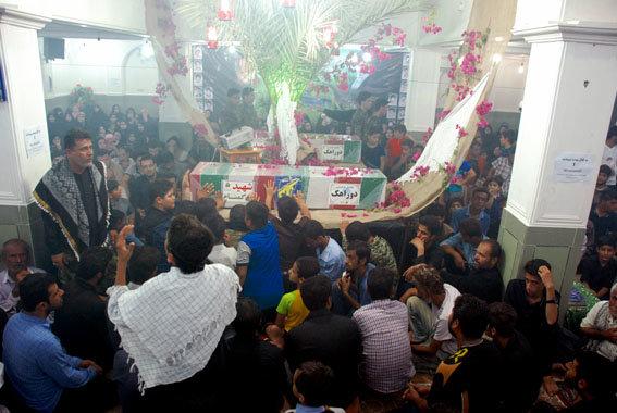 مراسم وداع با شهدای گمنام در شهرستان دیر برگزار شد