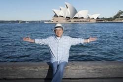جکی چان از سالن اپرای سیدنی پایین میپرد