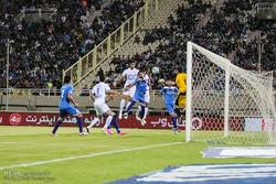 مشاهد من مباراة استقلال خوزستان واستقلال طهران