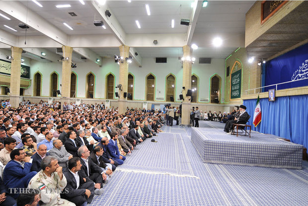 Leader receives people from various ethnic groups