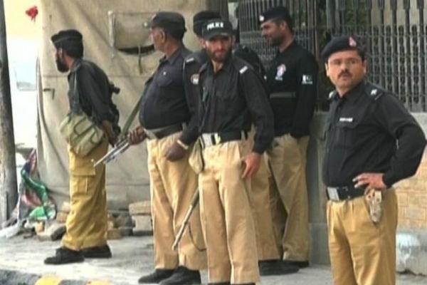 پشاورمیں سکیورٹی اہلکاروں کے آپریشن میں 5 دہشت گرد ہلاک/ آپریشن جاری
