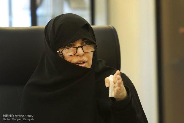 معاون صدا از برگزیده«ای بی یو» تجلیل کرد/«ذرهبین» در رادیو تهران
