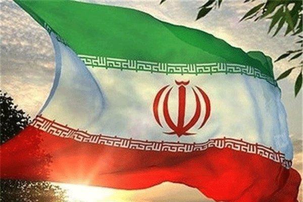 میدان جمهوری با نماد پرچم مقدس کشورمان نورپردازی شد