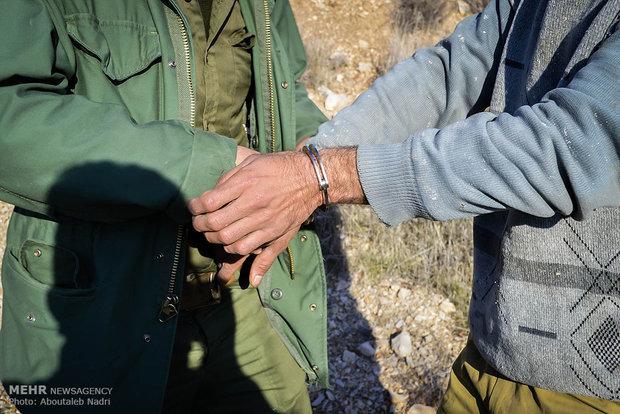 دستگیری ۲ شکارچی متخلف در دماوند