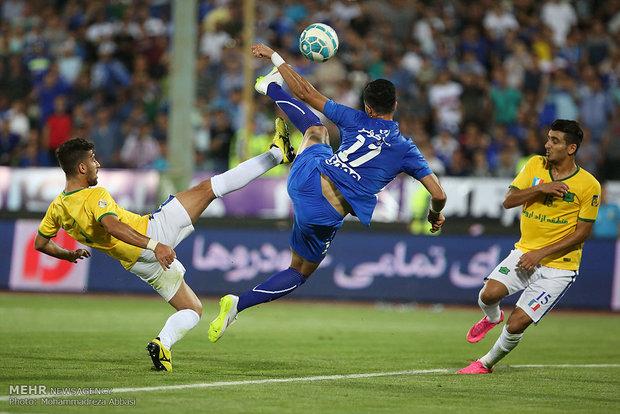 مباراة استقلال طهران ونفط آبادان