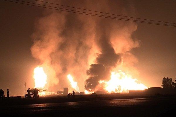 اخماد حريق اندلع في انبوب للغاز جنوب ايران