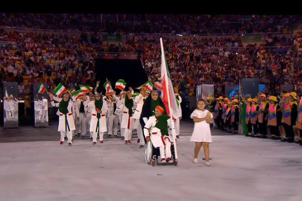 VIDEO: Flag bearer archer leads Iran into Rio Olympics