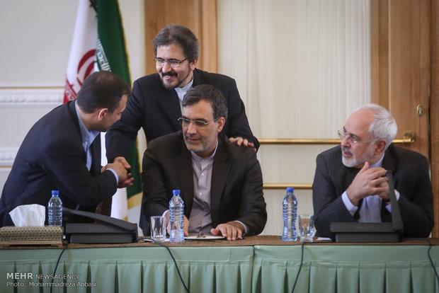 Iran's FM commemorates Natl. Journalists' Day