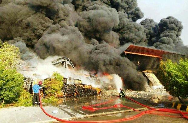 اولین تصاویر از آتش سوزی انبار واحد BDSR پتروشیمی بندر امام