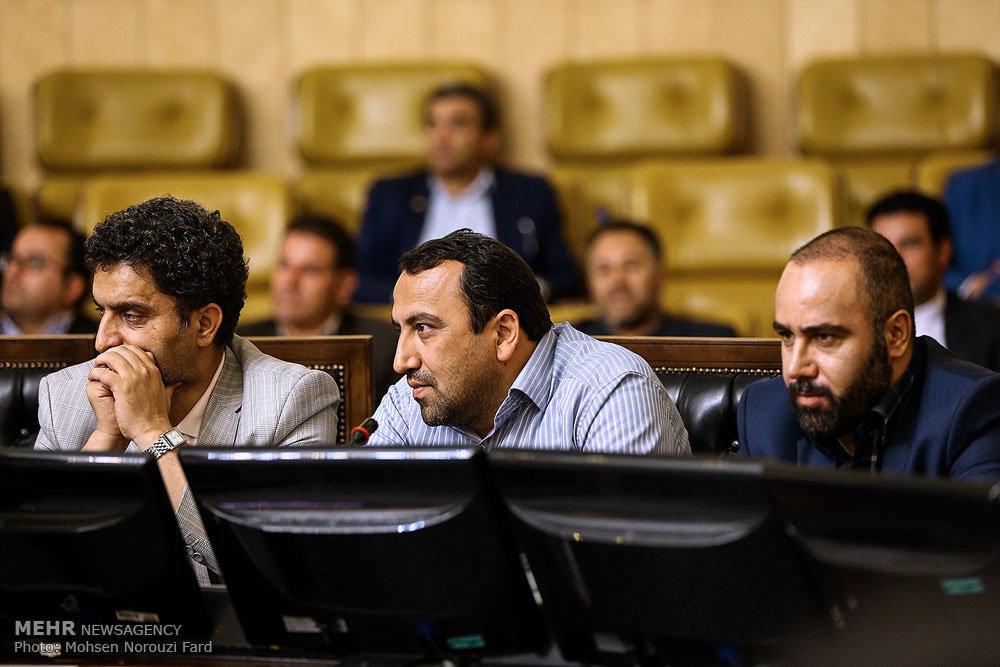 نشست رئیس مجلس با خبرنگاران پارلمانی به مناسبت روز خبرنگار
