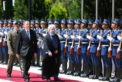 Aliyev welcomes Rouhani in Baku