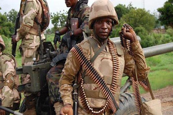 برخی افسران ارتش نیجریه به تروریستهای بوکوحرام سلاح می فروشند