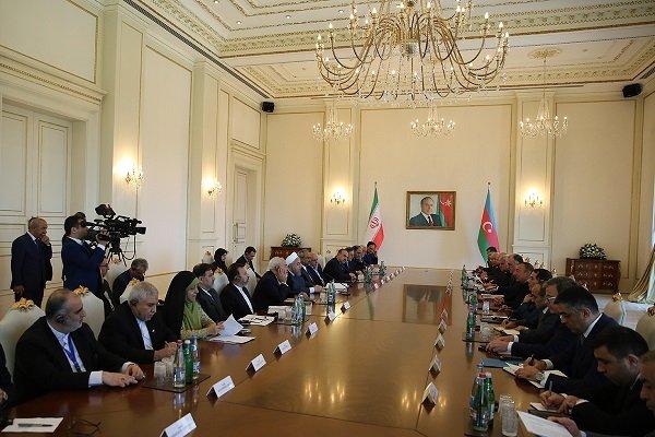 روحاني: إيران تسعى لتوسيع التجارة الحرة مع أذربيجان ومنطقة القوقاز