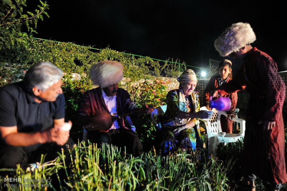 حضور توریست خارجی و خرید فرش دورو ابریشم روستای دویدوخ جرگلان