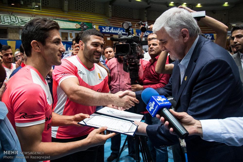 بدرقه کاروان المپیک تیم ملی کشتی