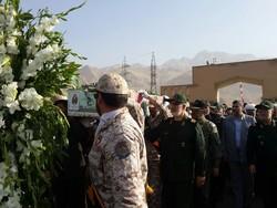 پیکر مطهر یک شهید گمنام در کرمانشاه تشییع و خاکسپاری شد
