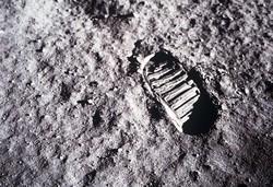 ارسال مردگان به ماه/ هر یک کیلوگرم خاکستر ۳ میلیون دلار!