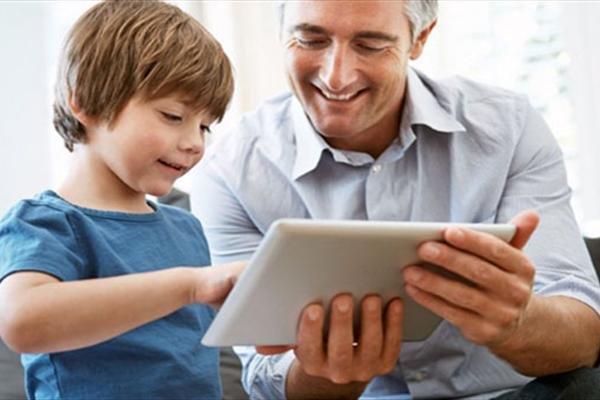 کودک اینترنت موبایل