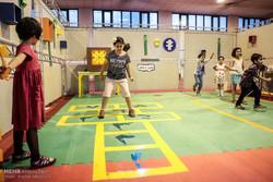 فعالیت فیزیکی کودکان در قالب بازی آموزش داده شود