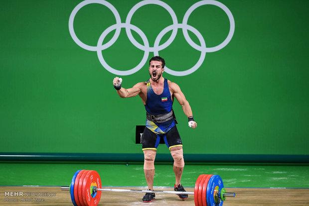 مرد طلایی وزنهبرداری المپیک به تایلند رفت