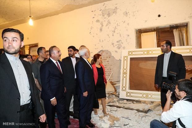 Zarif visits Turkish Parliament