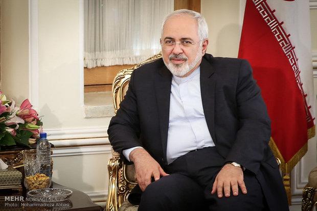 ظريف: أمريكا وعدت بأنها لن تقاضي البنوك الاوروبية التي تتعامل مع ايران