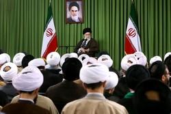 قائد الثورة: المسجد مركز للمقاومة الثقافية والنشاط الاجتماعي