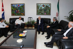 Zarif arrives in Cuba