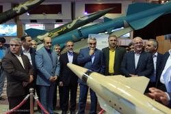 بازدید اعضای کمیسیون امنیت ملی از نمایشگاه توانمندیهای وزارت دفاع