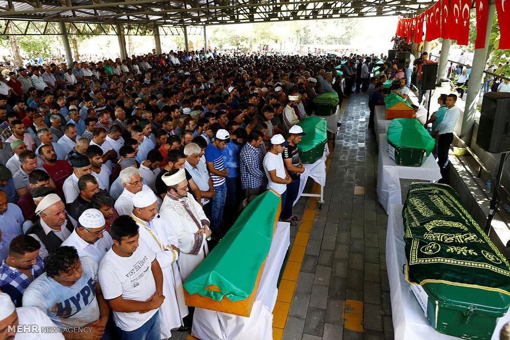 تشییع جنازه قربانیان عروسی خونبار ترکیه