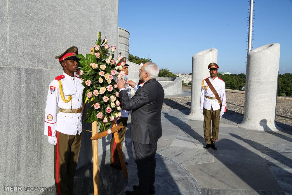 اهدای تاج گل و ادای احترام به محل یادبود رهبر جنبش استقلال کوبا