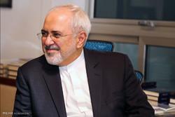 جشن شاعران طنزپرداز برای محمدجواد ظریف