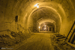 شرکت کیسون توان ساخت قطار شهری اهواز را ندارد