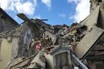 شمار تلفات زلزله ایتالیا به ۱۶۰ کشته رسید